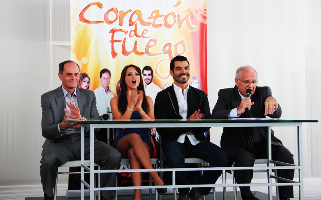 http://telenovelaseries.files.wordpress.com/2011/11/corazon-de-fuego-telenovela-8.jpg